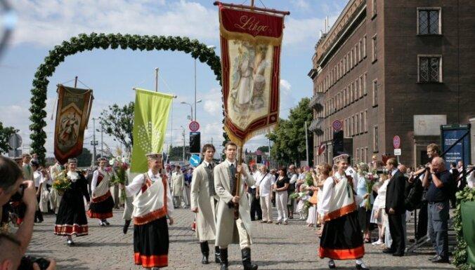 Saeima akceptē: nākamā diena pēc Dziesmu svētkiem - dalībniekiem brīva