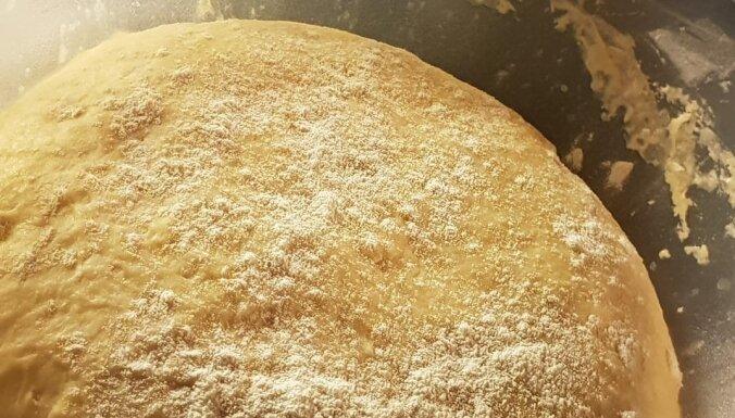 Ideālā rauga mīkla pufīgiem pīrādziņiem