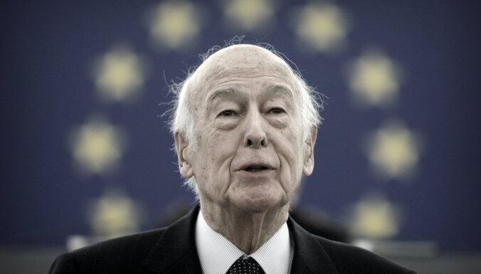 Covid-19: Pēc inficēšanās mirst Francijas eksprezidents d'Estēns