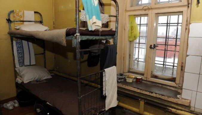 Латвии приходится расплачиваться за ужасные тюрьмы