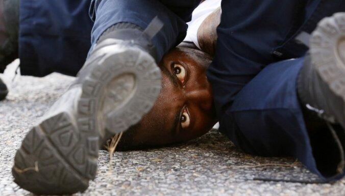 С мешком на голове. В США погиб еще один чернокожий, задержанный полицией