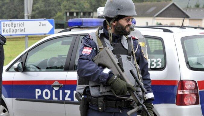 Austrijas policija sāk masīvu operāciju pret džihādistiem