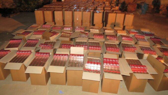 Полиция обнаружила внушительный склад контрабандных сигарет и алкоголя, подозреваемый арестован