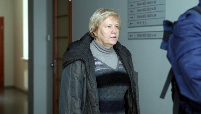Выдвинуто обвинение скрывавшейся в Египте экс-чиновнице Рижской думы Стабине