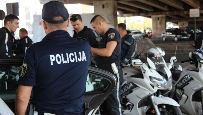 Полиция провела 24-часовой рейд на дорогах Латвии: возле Domina за час — 14 нарушителей