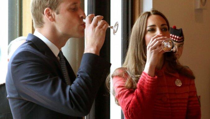 Keita Midltone piedzeras vizītes laikā Skotijā