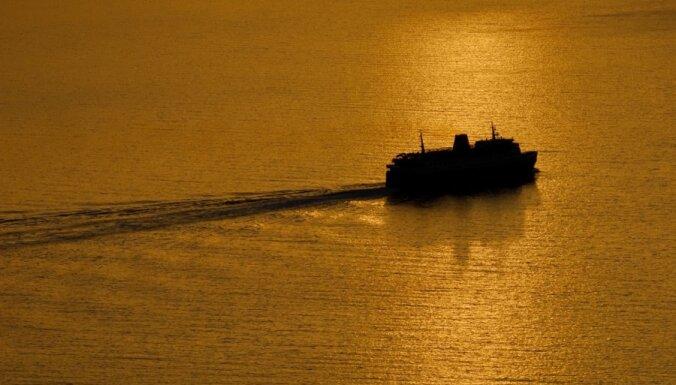 Спасатели: паром Viking Amorella в воскресенье сел на мель