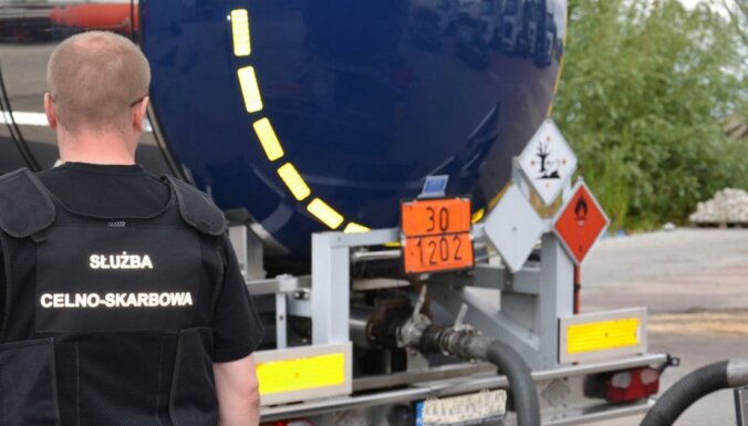 В Польше раскрыли крупную контрабанду топлива из Латвии: задержаны 13 подозреваемых