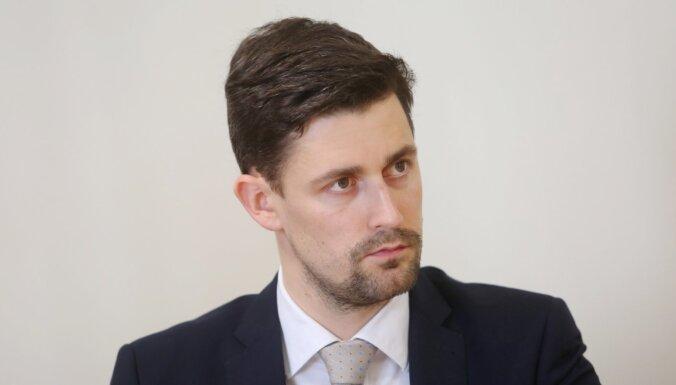 Reirs un Rinkēvičs kā atbilstošāku sodu Henkuzenam uzskata atbrīvošanu no ZVA vadītāja amata