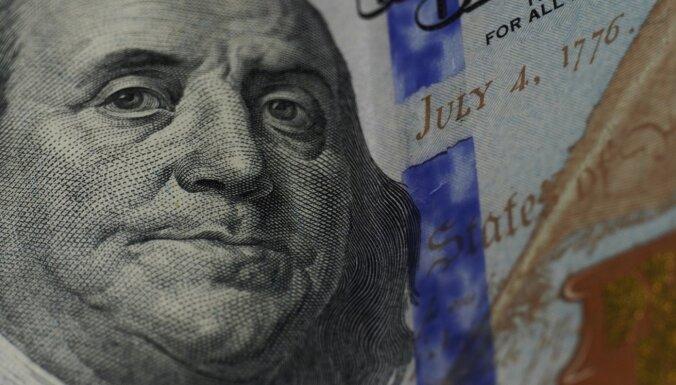 ASV savas ekonomikas atbalstam novirzīs 900 miljardus dolāru