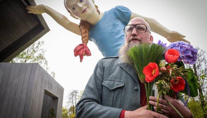 В Риге откроют шестиметровую статую в честь самоотверженного труда медиков