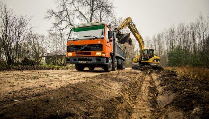 Uz Tallinas, Daugavpils un Rēzeknes šosejām turpinās remontdarbi