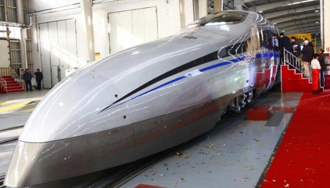Ķīna izmēģina vilcienu, kas spēj sasniegt 500 kilometrus stundā lielu ātrumu