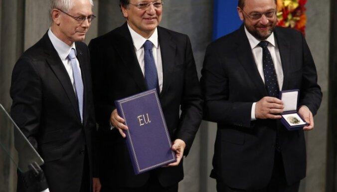 Баррозу, Шульц и ван Ромпей забрали Нобелевскую премию
