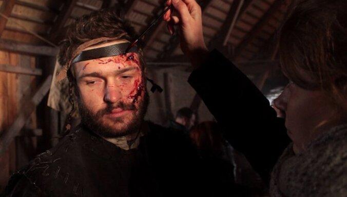 Plaukst Latvijas kino. 14 topošo simtgades filmu stāsti un aizkadri