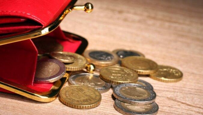 Денежная примета: как выбрать кошелек, чтобы деньги в нем не переводились