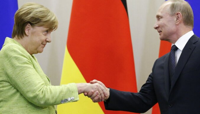 Меркель предупредила о новых возможных санкциях против России в связи с убийством в Берлине