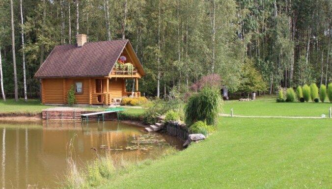 Foto: Gaumīgi iekopti dārzi un mājas – Engures novada sakoptākie īpašumi