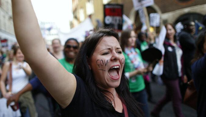 Британским учителям выплатили $20 млн за нападения учеников и дискриминации