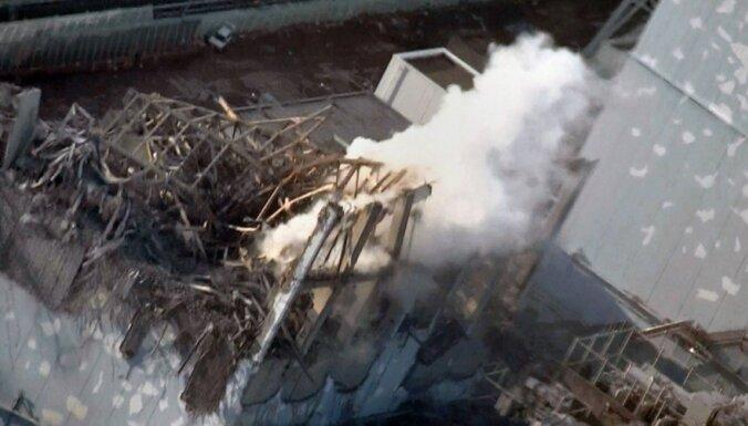 Japāna paziņo par radiācijas noplūdi Fukušimas AES