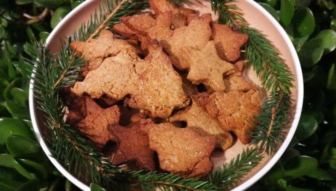 Tumšās rudzu piparkūkas ar iesalu – izmēģini jaunu Ziemassvētku garšu