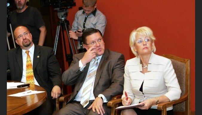 TP aicina Repši garantēt pašvaldībām IIN pilnā apmērā