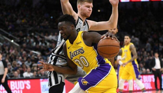 Bertāns 'Spurs' uzvarā pret 'Lakers' paliek bez punktiem