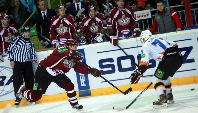 Rīgas 'Dinamo' piekāpjas vienai no KHL pastarītēm