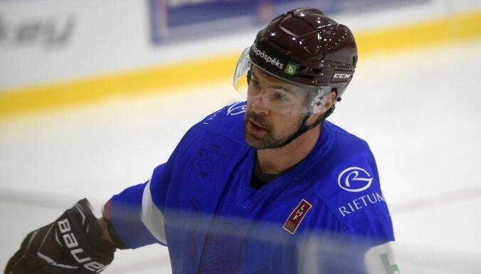 Latvijas izlases kapteinis PČ hokejā būs Kaspars Daugaviņš