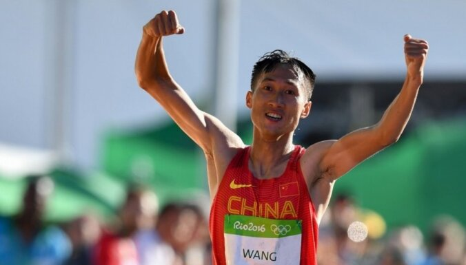 Ķīnas soļotāji Rio spēlēs izcīna zeltu un sudrabu 20 kilometru distancē