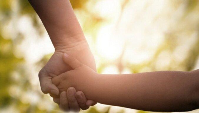 Sarežģīts jautājums: kā runāt ar bērnu par nāvi?