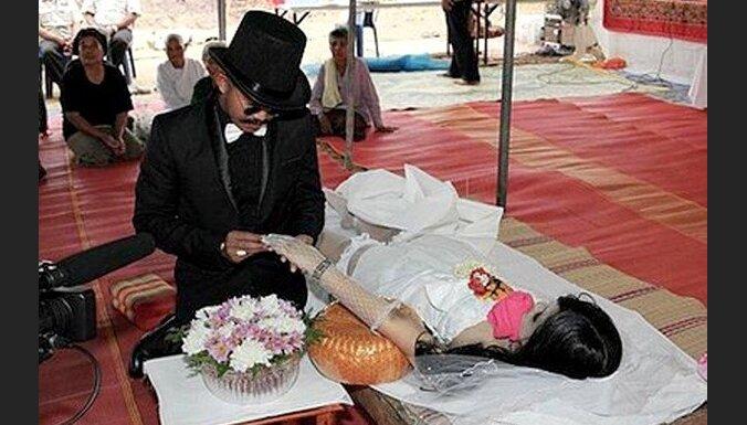 Vīrietis apprecējis jau mirušu līgavu