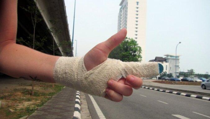 Trīs latvieši ceļo: Ar autostopiem uz Singapūru