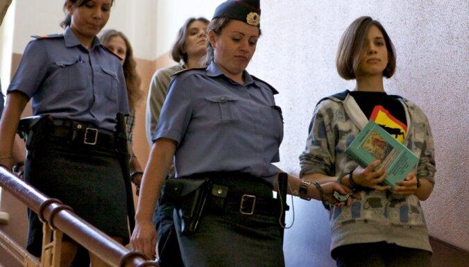 Krievijas prezidenta Cilvēktiesību padome: sods 'Pussy Riot' dalībniecēm ir pārāk bargs