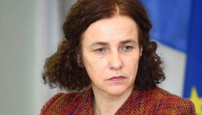 Министр образования Илга Шуплинска готова к возможной отставке и уходу из НКП