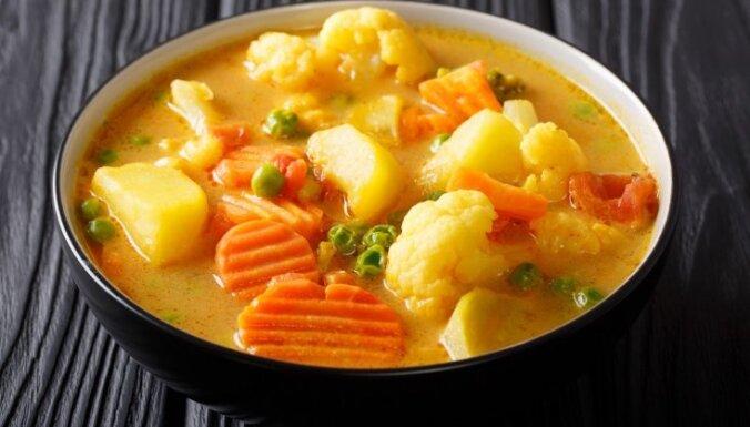 Молочный суп с овощами и карри
