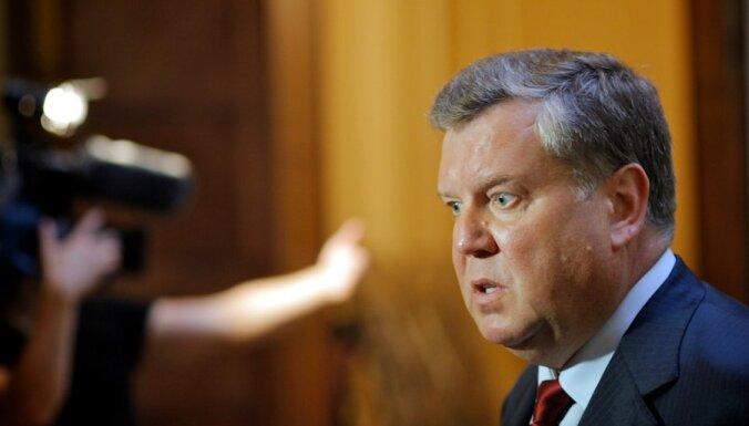 Pagaidām liedz Urbanovičam darboties Cilvēktiesību komisijā