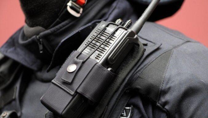 Policija atrod poļu katoļu priesterim augustā nozagtu planšetdatoru