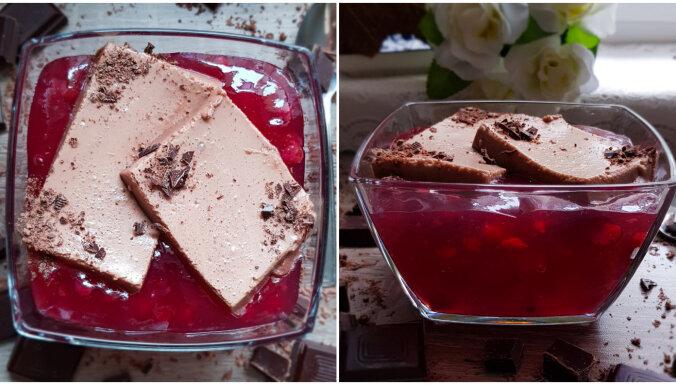 Klasiskais kakao krēms ar šokolādi un ogu ķīseli