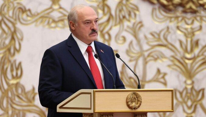 Лукашенко ответил на предложение Макрона добровольно уйти