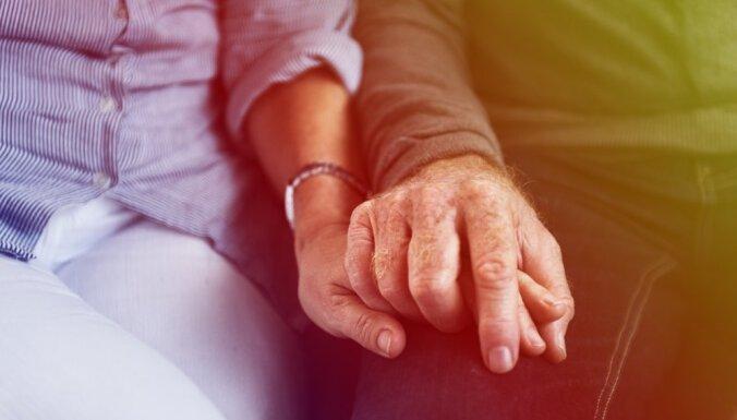 Семья — есть, близости — нет. Как не попасть в ловушку одиночества и чем она опасна