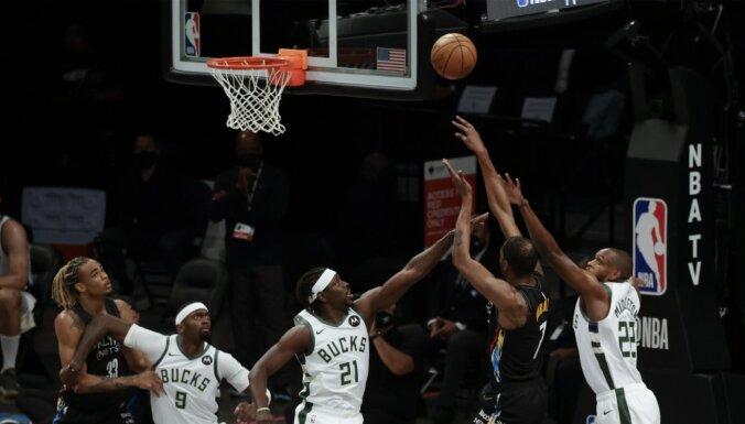'Nets' bez Hārdena sagrauj 'Bucks' un sērijā panāk 2-0
