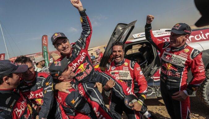 Sainss triumfē Dakaras rallijreidā; pārtraukta KTM motociklu dominance