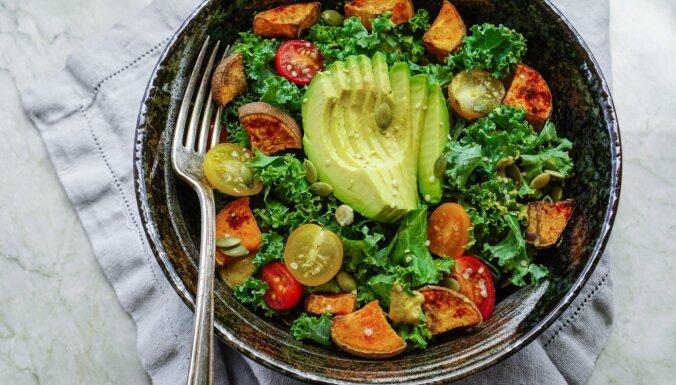 Uzturvielu bumbas: vērtīgie 'superfoods', kas noteikti jāiekļauj ēdienkartē