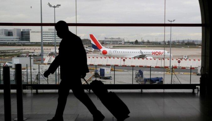 Francija noteiks karantīnu ceļotājiem no Lielbritānijas