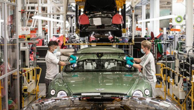 Automašīnu ražošana Lielbritānijā jūlijā nokritusies par 20,8%