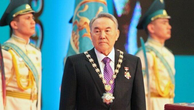 Назарбаев предложил жителям отказаться от фуа-гра, бананов и Land Cruiser