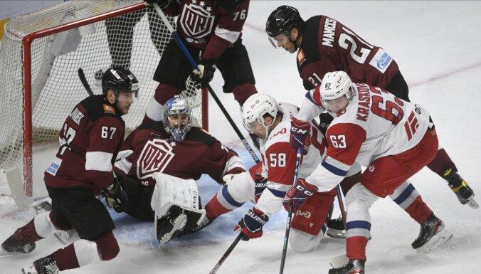Rīgas 'Dinamo' otrreiz pēc kārtas piekāpjas pēcspēles metienos