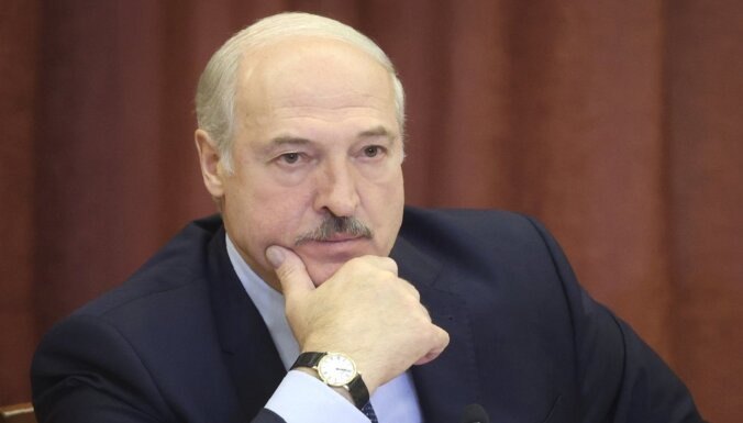 Lukašenko ar 'vecāko brāli' Putinu tiksies Sočos