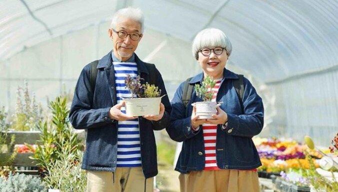 ФОТО. Вот уже 38 лет супружеская пара ежедневно одевается одинаково